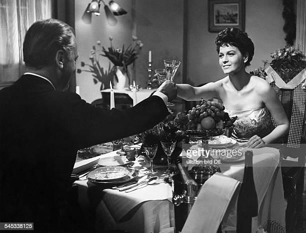 Schauspieler, Dmit Eva Bartok in dem Film 'Ohne Dich wirdes Nacht'- 1956