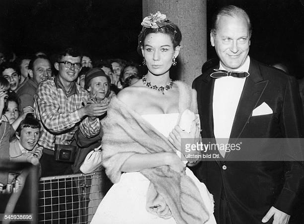 *Schauspieler Dmit seiner Frau Simone Bicheron um 1962