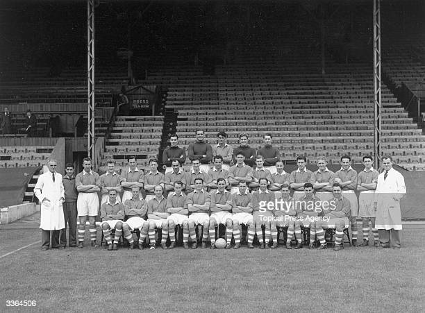The players of Charlton Athletic Football Club Back Row E Marsh A Uytenbogaardt J Hewie Sam Bartram E Gill Centre Row A Herd C Hall J Shreeve J Dolby...