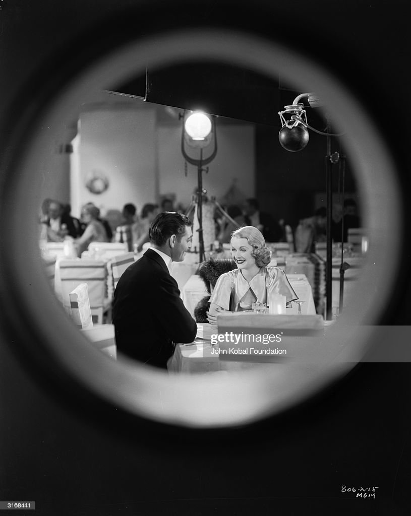 Round Window : Foto jornalística