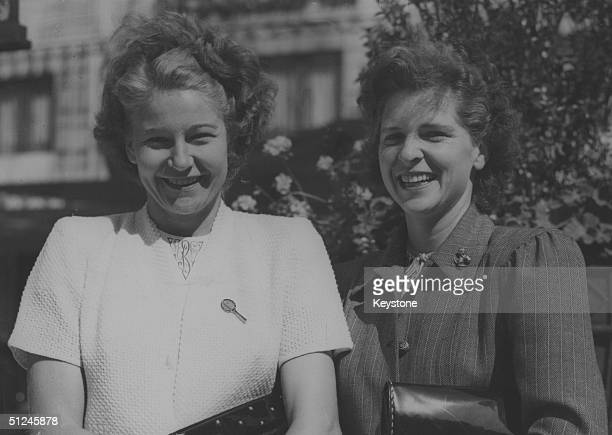 13th June 1947, American tennis players Louise Brough and Margaret Osborne outside the Dorchester Hotel, London, for the Wimbledon Lawn Tennis...