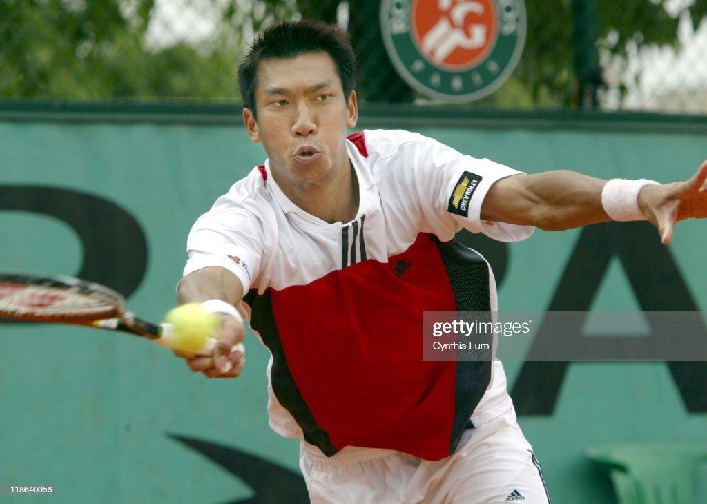2004 French Open - Men's Second Round - Paradorn Srichaphan vs Alex Corretja