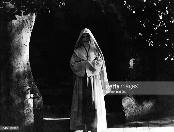 *14101896oder1893Schauspielerin Filmschauspielerin Stummfilmschauspielerin USAPorträt aus dem Film Die weisse Schwester / The White Sister Regie...