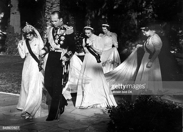 *König von Griechenland 19471964 Hochzeit mit Friederike Louise von Braunschweig auf dem Weg zur Kirche Foto Elli Seraidari
