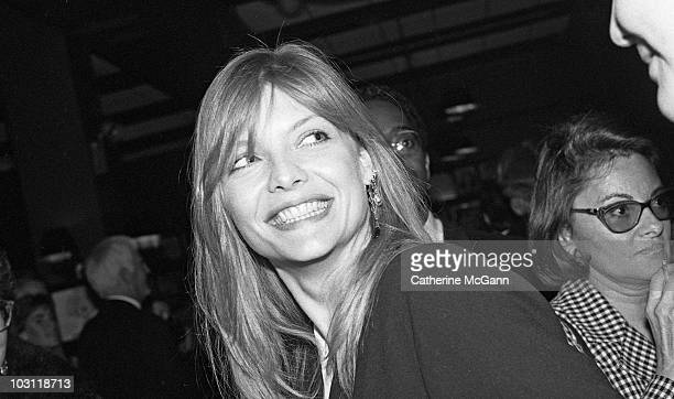 American actress Michelle Pfeiffer poses for a photo at the New York Film Critics Awards on January 14 1990 at Sardi's restaurant in New York City...