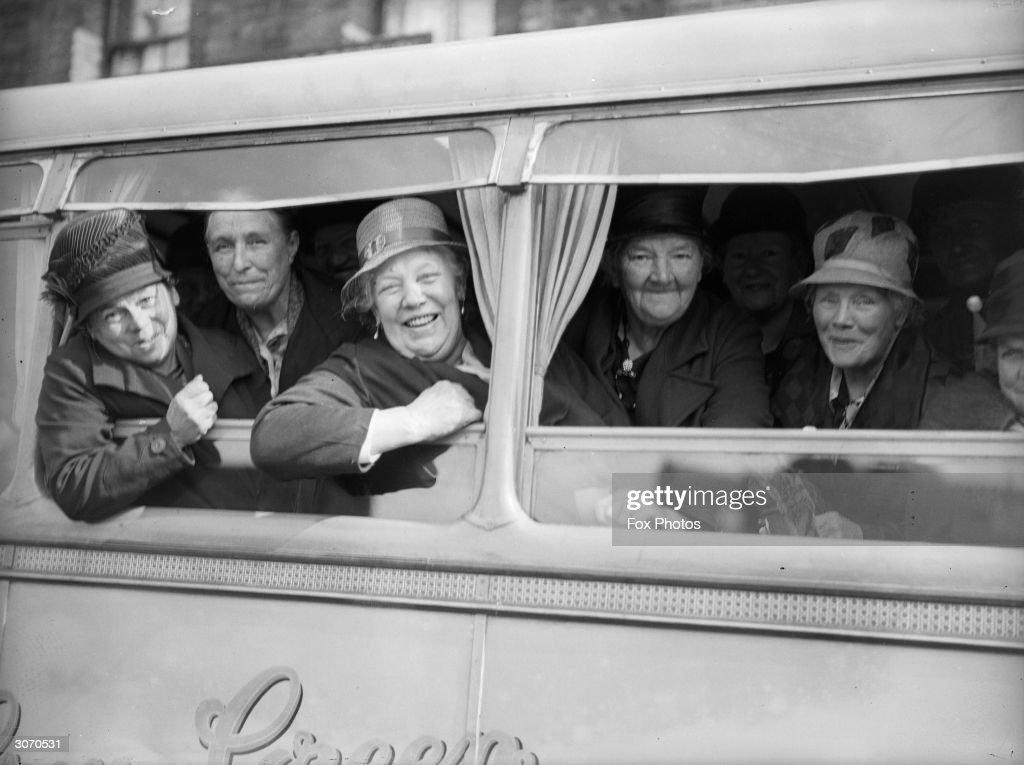Grannies' Holiday : News Photo