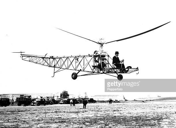 14th June 1940 Connecticut USA First successful helicopter fight at Bridgeport Connecticut by the Russianborn aeronautical engineer Igor Sikorsky The...