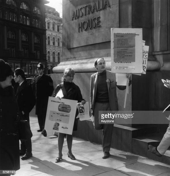 Demonstrators outside Australia House with antiVietnam War posters