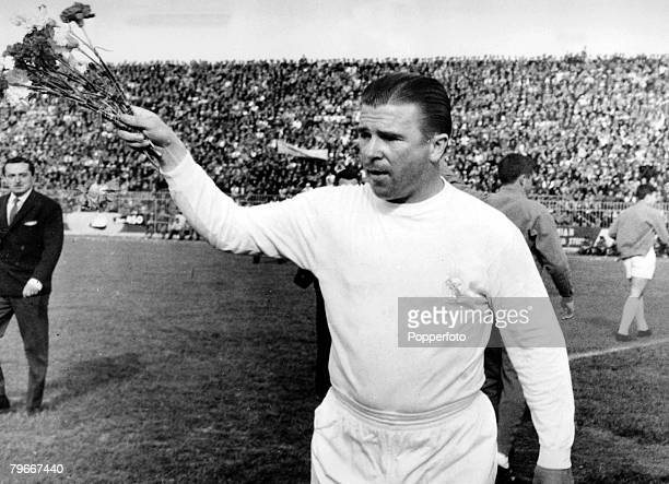 14th May Ferenc Puskas of Real Madrid pictured throwing flowers to fans prior to the AEK Athens v Real Madrid game in Athens The match finished in a...