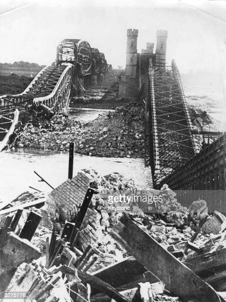 The wreckage of the bridge at Dirschau over the River Vistula which Polish Army engineers blew up with dynamite to hamper the advance of the German...