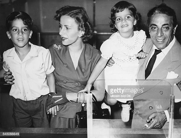 *Reeder GRmit Ehefrau Tina Sohn Alexander und Tochter Christina in Hamburg 1955