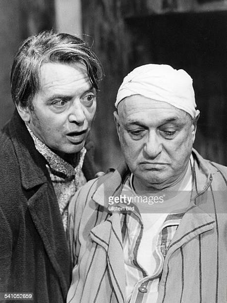 Schauspieler D'Unter der Treppe' von Charles DyerRegie Harry MeyenRenaissance Theater Berlin Q als Charly und Leonard Steckel als Harry 1968