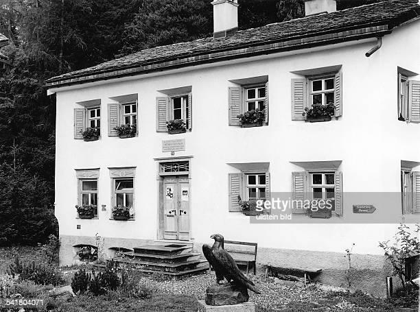 *15101844Philosoph Schriftsteller DEhem Wohnhaus in SilsMaria Engadin Aussenansicht 1995