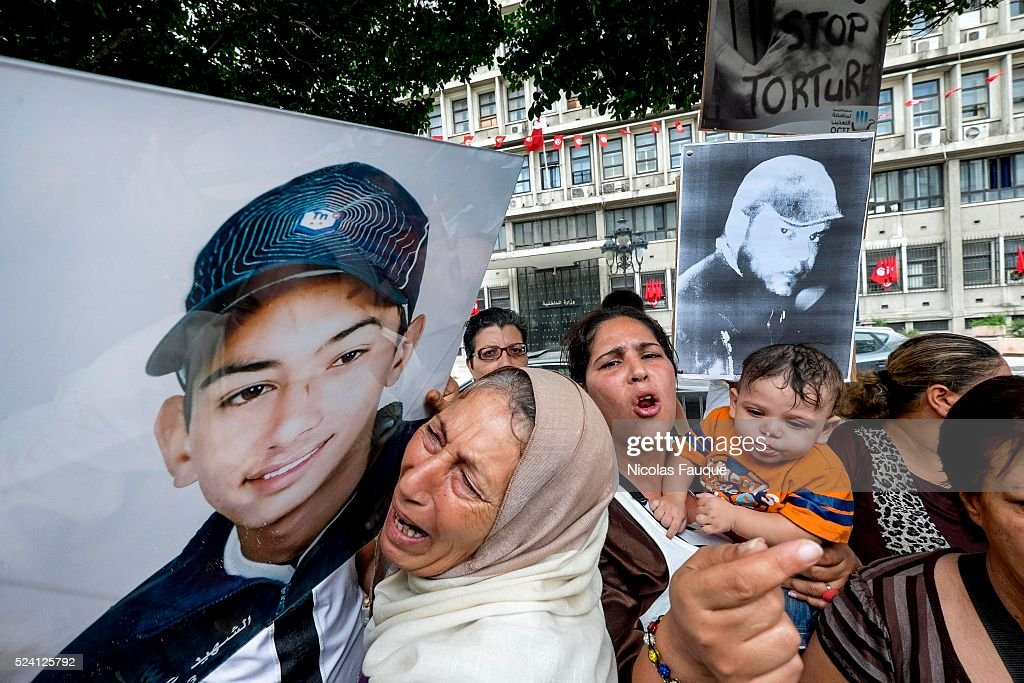 Tunisia - Society - Demonstration against the police torture in Tunis : News Photo