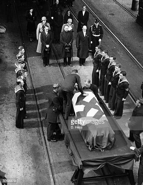 The swastika draped coffin of Herr Von Hoesch former German ambassador was given a nineteen gun salute as it arrived at Dover Castle from London by...