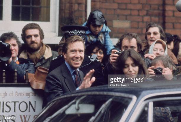 Lord Snowdon former husband of Princess Margaret leaves Kensington Registry Office following his wedding to Mrs Lucy Lindsay Hogg