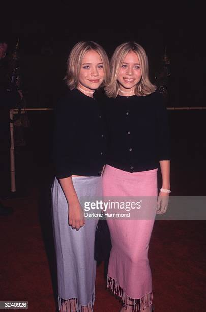Acting twins MaryKate Olsen and Ashley Olsen at the premiere of director Andy Tennant's film 'Anna and the King' at Mann's Chinese Theatre Hollywood...