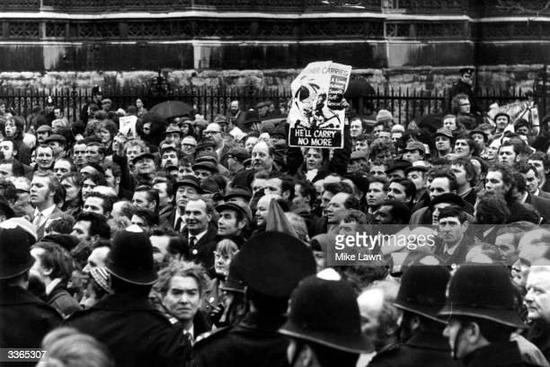 Crowds of protestors demonstrating at the Houses of Parliament in support of the miner's strike