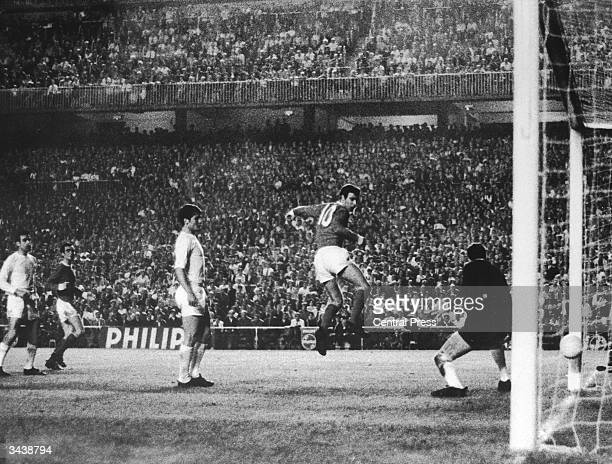 David Sadler scores Manchester United's second goal with a back heel in the European Cup second leg semifinal against Real Madrid at the Bernabau...