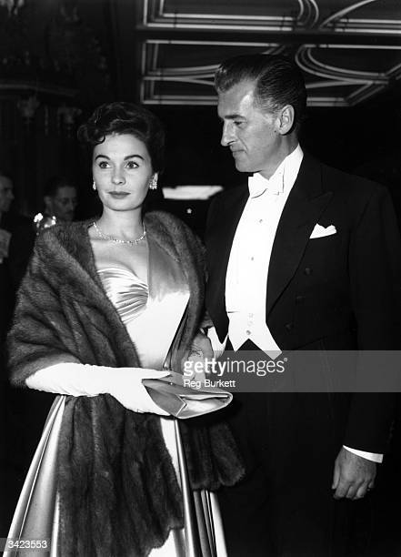 British actress Jean Simmons and her British husband Stewart Granger arriving at the Royal Film Performance of 'Beau Brummell', in which Granger...
