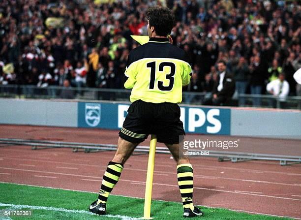 Sportler Fussball D Endspiel um den Europapokal derLandesmeister imOlympiastadion von München BorussiaDortmund Juventus Turin 31 Riedle 'tanzt' nach...