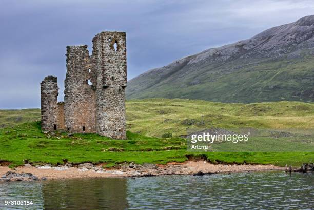 16th century Ardvreck Castle ruin at Loch Assynt in the Scottish Highlands Sutherland Scotland UK