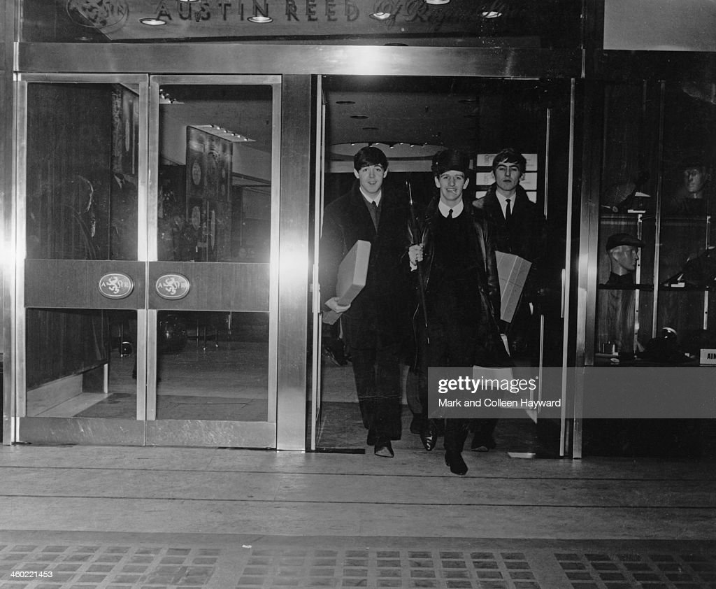 The Beatles Posed At The Entrance To Austin Reed Store In Regent News Photo Getty Images