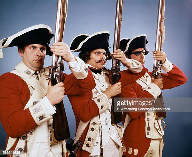 1700s 1776 BRITISH SOLDIERS IN UNIFORM DURING THE AMERICAN REVOLUTIONARY WAR