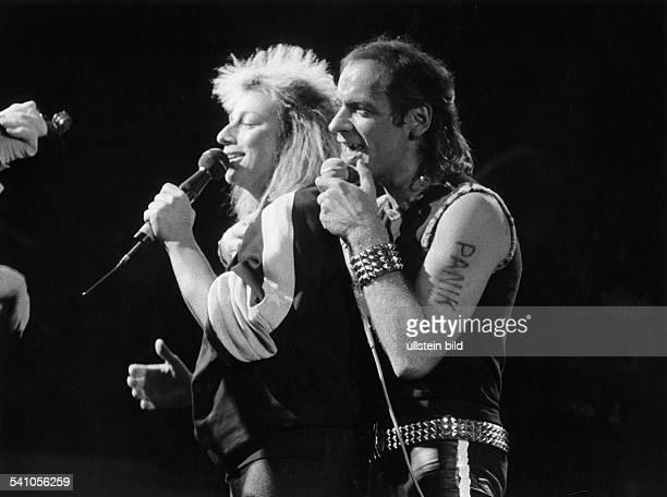 *Sänger Rockmusik Musiker DKonzert mit Gianna Nannini 1983