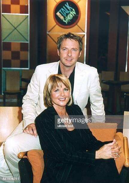 Moderatorin D/Niederlandeim NDRTalkshow Studio mit Jörg Pilawa August 2001