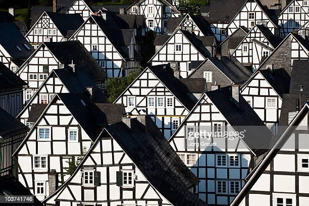 17th century half-timbered houses - ハーフティンバー様式 ストックフォトと画像