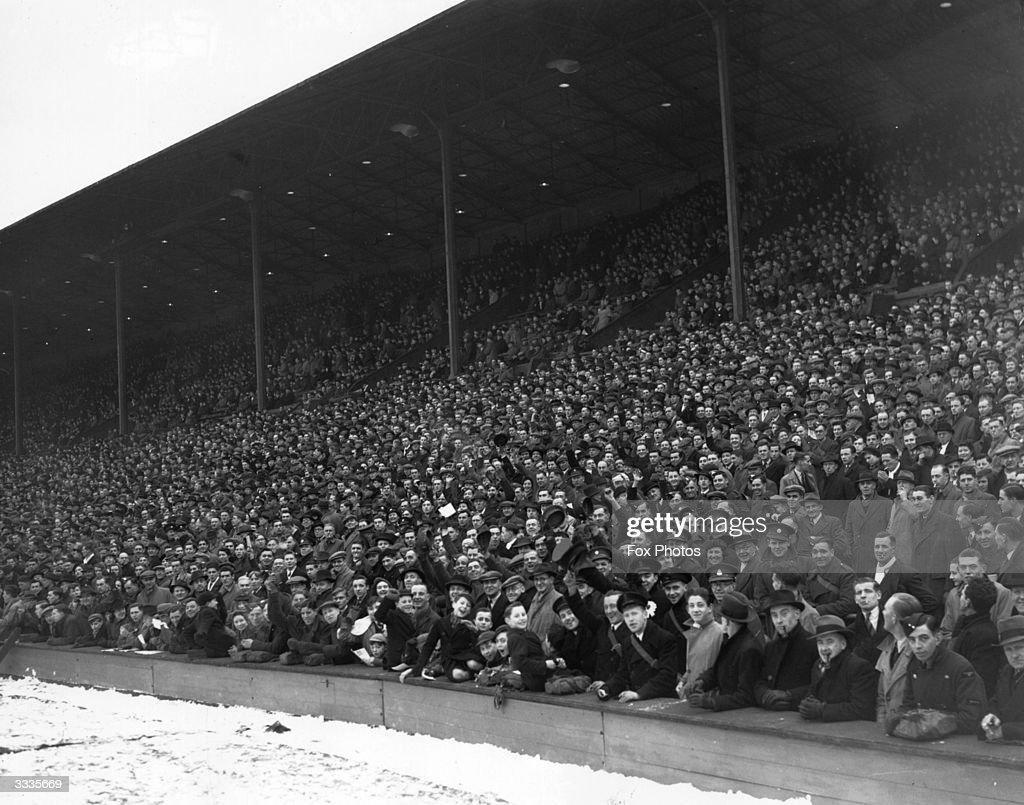 Enthusiastic football fans have braved the winter weather to come to Wembley, London, for the international match between England and Scotland.