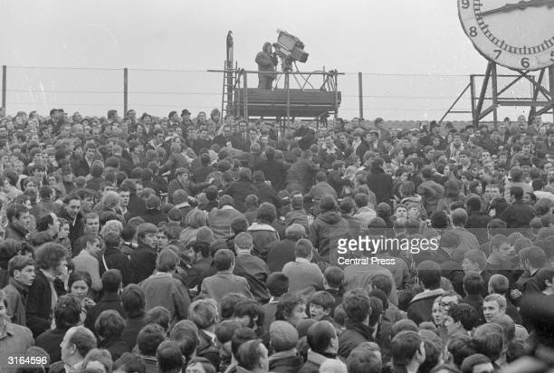 The crowd at Highbury football ground where violent scuffles broke out between rival Chelsea and Arsenal fans Chelsea won 3 0