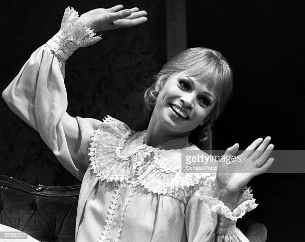 South African born singer and dancer Juliet Prowse appearing at the Phoenix Theatre in the musical 'I Do I Do'
