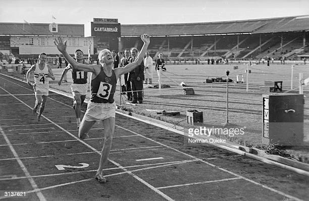 Gennady Khlystov achieves a triumphant win in the 10000 metres race during an England V Russia athletics match