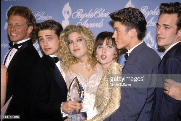 17th March 1992: Ian Ziering,Jason Priestley, Tori Spelling and Shannen Doherty, Brian Austin Green and Luke Perry of Beverly Hills 90210 in the...