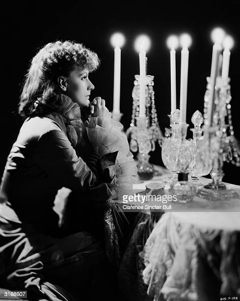 Swedish actress Greta Garbo plays Tolstoy's tragic heroine in the film 'Anna Karenina' directed by Clarence Brown