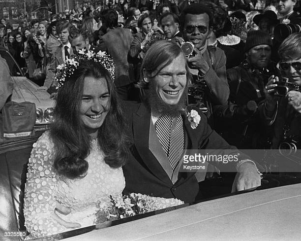 Kathleen Kennedy daughter of Senator Robert Kennedy and her bridegroom David Lee Townsend a Harvard graduate student smile for the photographers on...