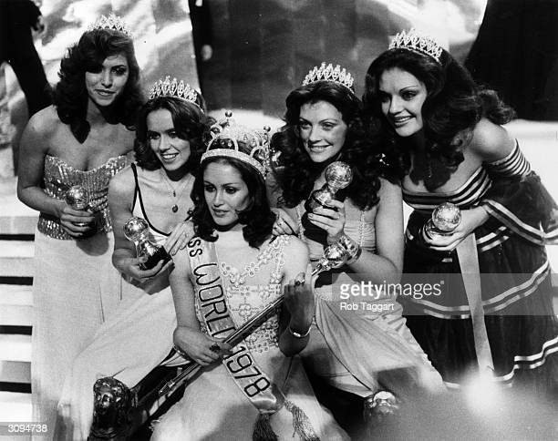 Silvana Suarez wins the title of Miss World 1978 at the Royal Albert Hall London Surrounding her are the runnersup Miss Mexico Miss Sweden Miss...