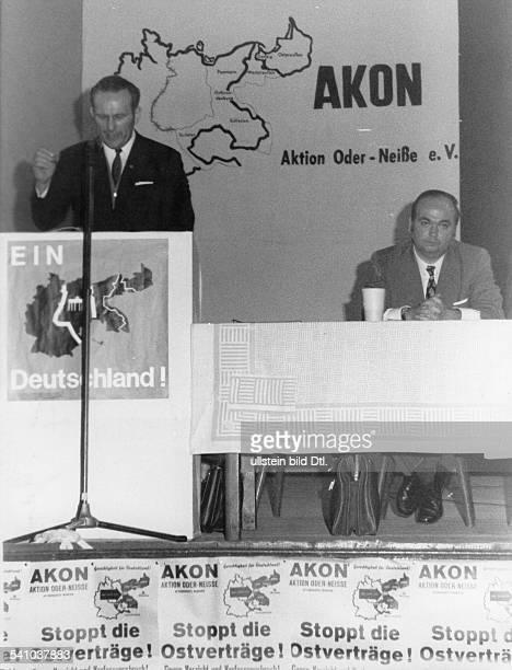 *Politiker Verleger DKundgebung der 'Aktion OderNeiße e V' gegen die Ostverträge der sozialliberalen Koalition G Frey Herausgeber der rechtsradikalen...