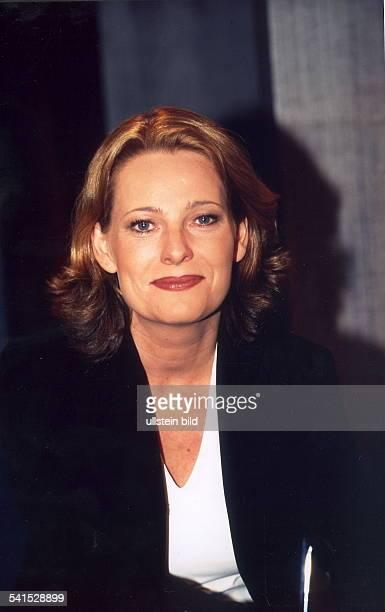 Kommunikationswissenschaftlerin DStaatssekretärin Regierungssprecherin von NordrheinWestfalenPorträt März 2001