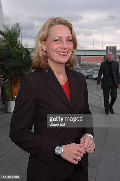 Kommunikationswissenschaftlerin DStaatssekretärin Regierungssprecherin von NordrheinWestfalenPorträt