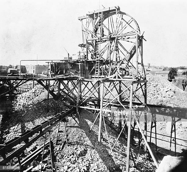 1850California The Hoisting Wheel of the Daley Claim goldmining in Columbia Tuolumme County California Photograph from stereopticom