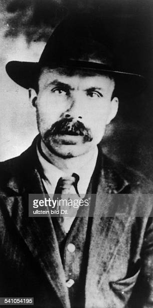 *18881927Anarchosyndikalist USAwurde mit seinem Kollegen Nicola Sacco trotz erwiesener Unschuld wegen Raubmord hingerichtet Portrait vermutl 1927