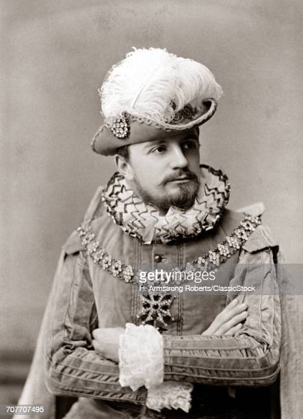 1890s MAN ACTOR IN ELIZABETHAN FASHION COSTUME RUFFLED COLLAR CUFFS VELVET TUNIC HAT WITH LARGE FEATHER PLUME BEARD