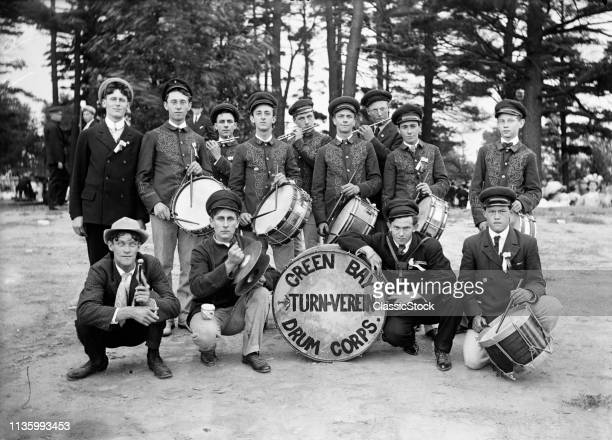 1890s OUTDOOR GROUP...
