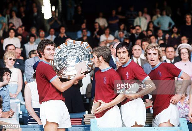 18th August 1973 Maine Road Manchester Charity Shield Burnley 1 v Manchester City 0 Members of the victorious Burnley FC team celebrate with the...