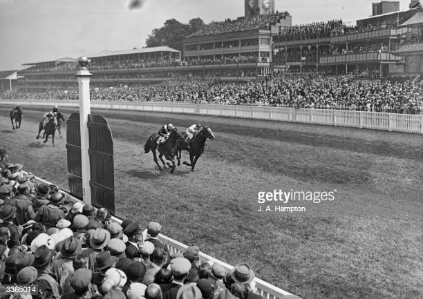 The finish of the 1936 Ascot Gold Cup with Quashed winning from Omaha