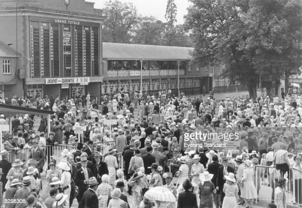Crowds mingling at Ascot