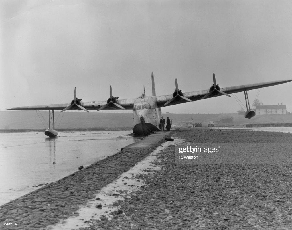 Stranded Plane : News Photo